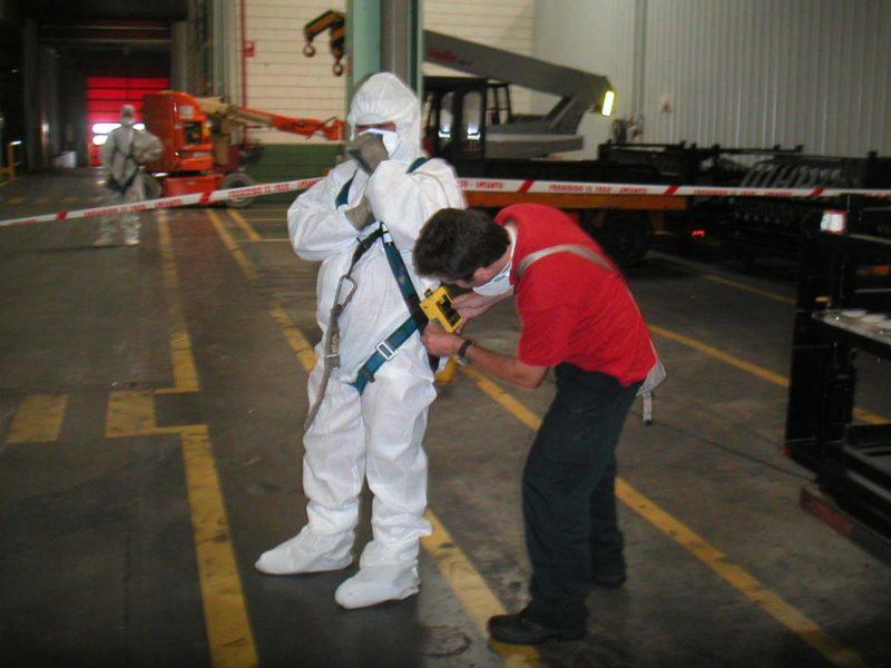 2005-Proyecto-Desmontaje-paramentos-interiores-fibrocemento-(8)