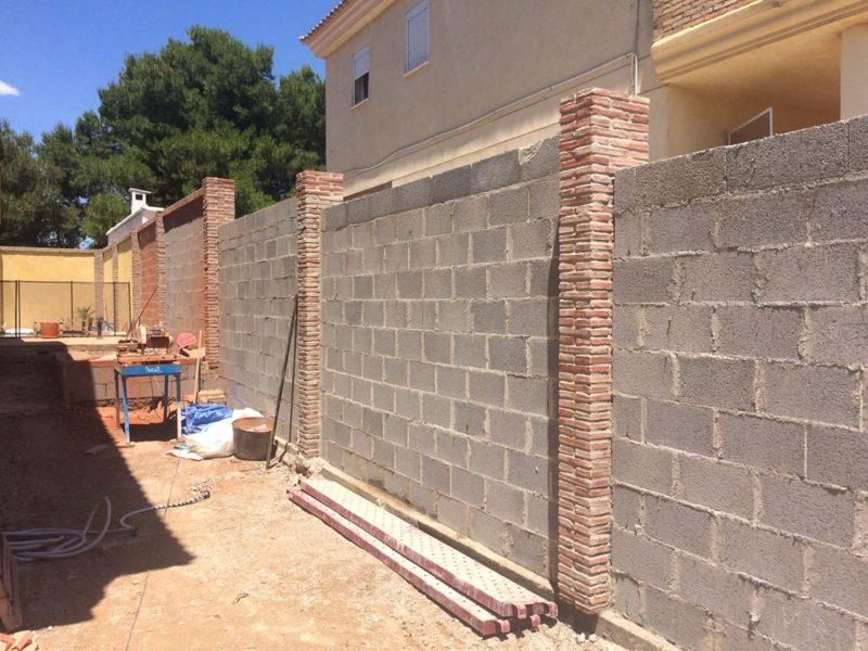 reforma adosado muro